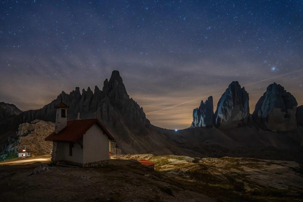 Prächtiger Sternenhimmel in den Dolomiten